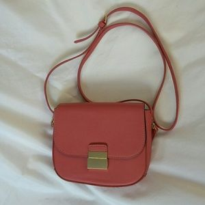 Forever 21 pink crossbody purse